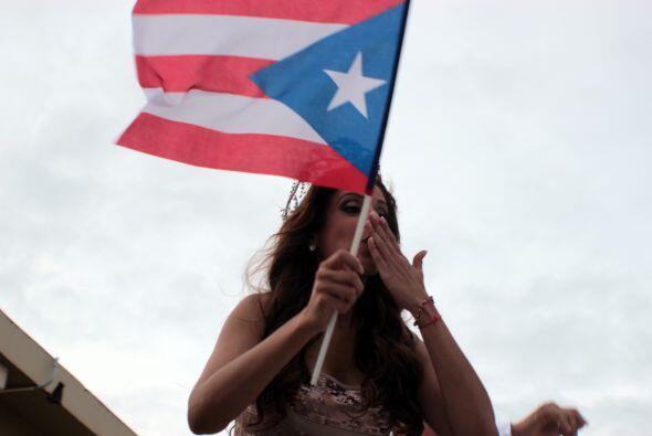 No podía faltar una bandera de su país para tener un buen...