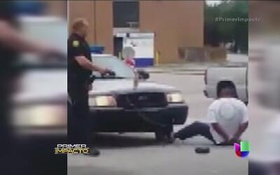 Un policía disparó una descarga eléctrica a un hombre esposado