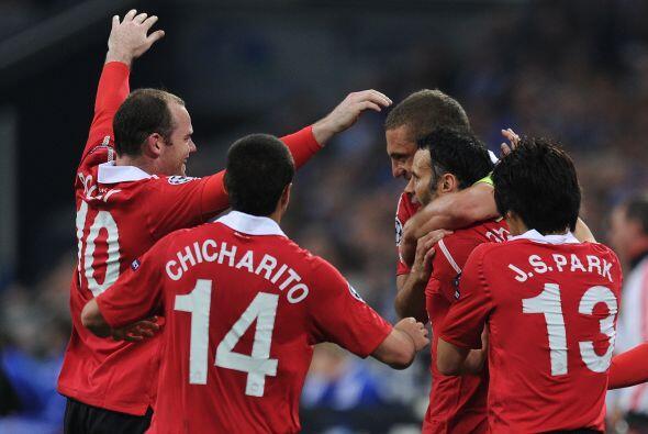 Rooney asistió a su compañero para que batiera la portería de Neuer.