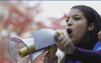 Futuro de una universitaria, beneficiaria de DACA, está en vilo por una...