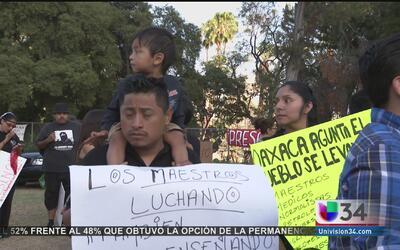 Exigen justicia para Oaxaca en consulado mexicano