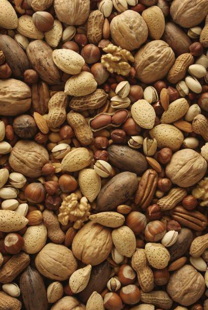 Frutos secos. Un mix de almendras, nueces, castañas de caj&uacute...