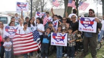 Niños de padres indocumentados deportados marchan en Washington DC para...