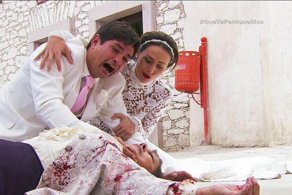 ¡Qué gran dolor! Tu amada abuela está muriendo ante tus ojos.