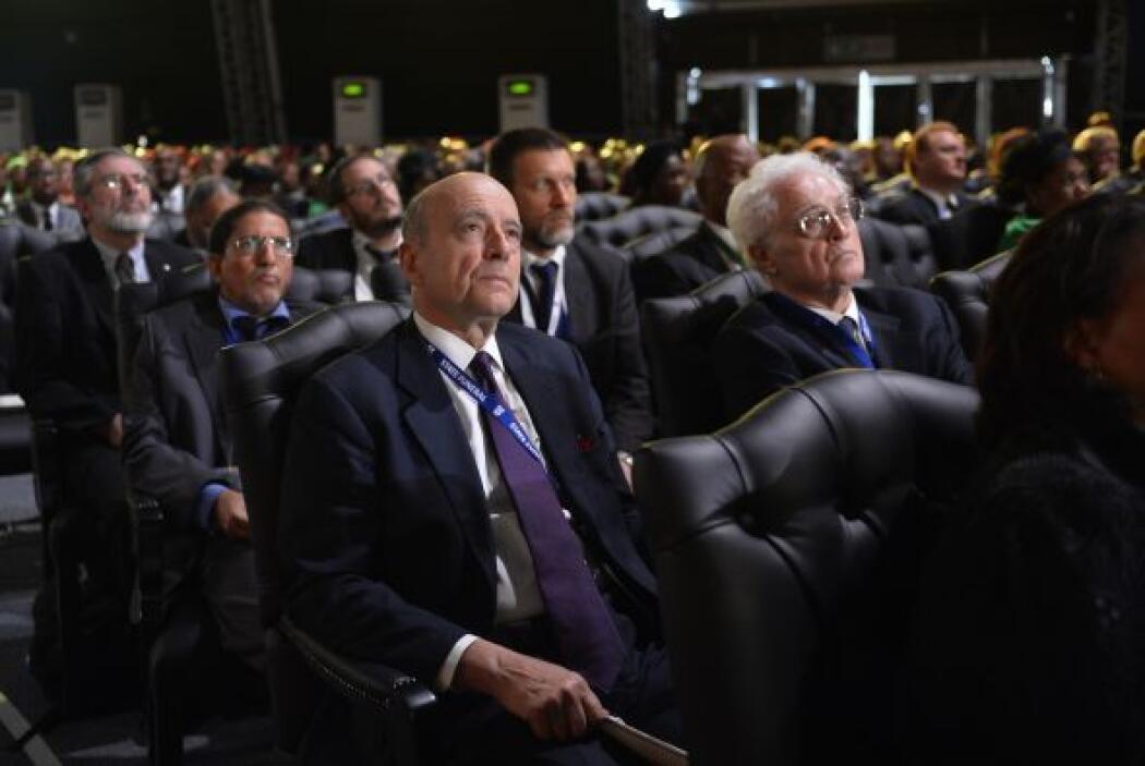Los exprimeros ministros franceses, Lionel Jospin y Alain Juppé, también...