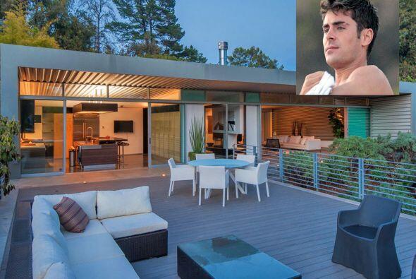 El actor Zac Efron puso a la venta su casa de Los Ángeles, por la...