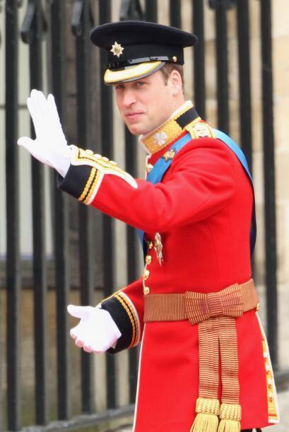 El Príncipe William saludó a todos los presentes a su lleg...