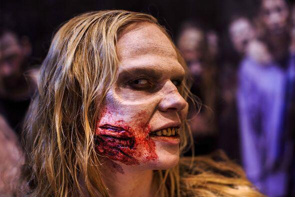 ZombiSer el zombi más aterrador, es más fácil de lo...