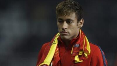 El entrenador del Celtic cree que Neymar exagera las faltas que le comet...