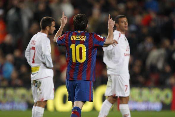 Messi transformó el castigo en gol y el Barcelona ya goleaba. El...