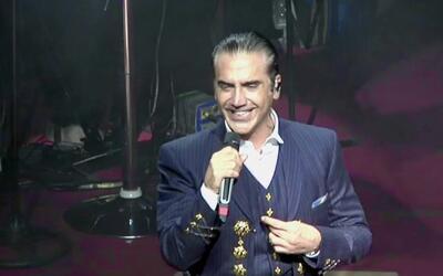Alejandro Fernández responde a los rumores sobre la salud de su padre