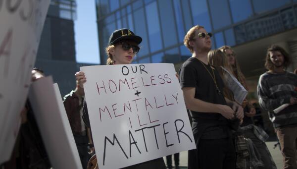 En 2015, la Policía de Los Ángeles le disparó a 14 enfermos mentales.