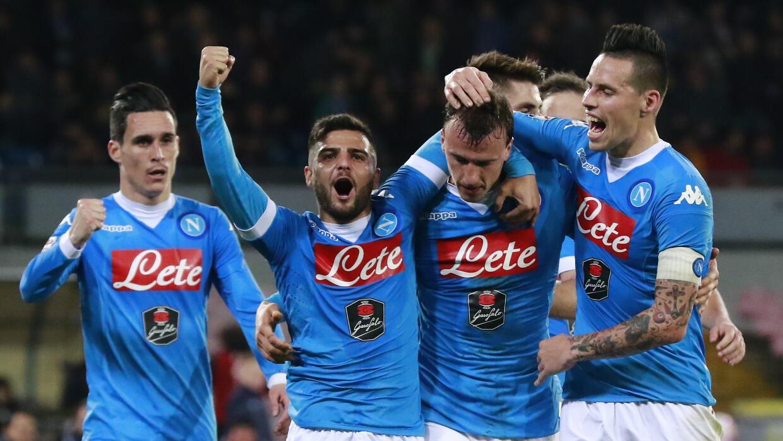 Napoli se llevó la victoria ante el Chievo