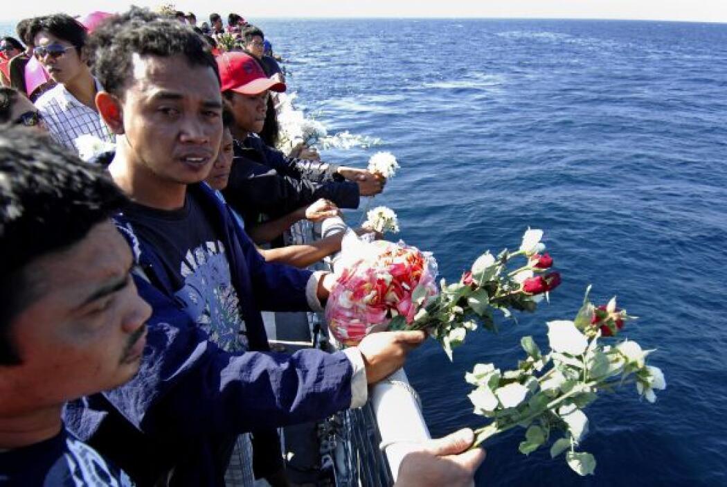 Por lo menos 30 inmigrantes murieron, niños entre ellos, luego del naufr...