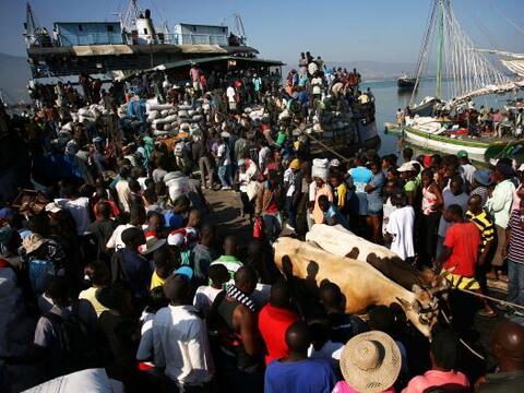 El pueblo de Haití busca la forma de recuperar su economía...