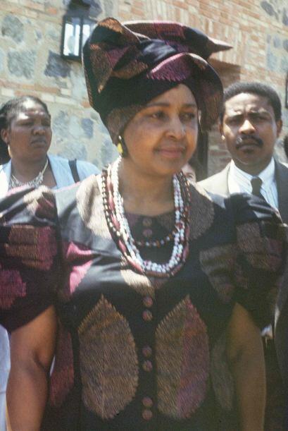 Ese año, Winnie Mandela fue elegida como diputada por el CNA y nombrada...