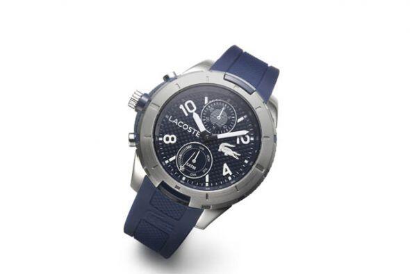 Tu buen gusto lo puedes reflejar obsequiando un reloj Lacoste de $250. N...