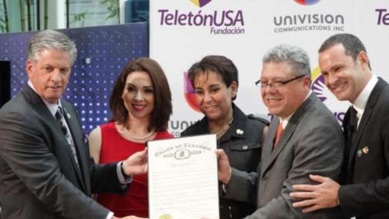 Angélica Atondo, Alan Tatcher junto los presidentes de mercadotecnia y d...