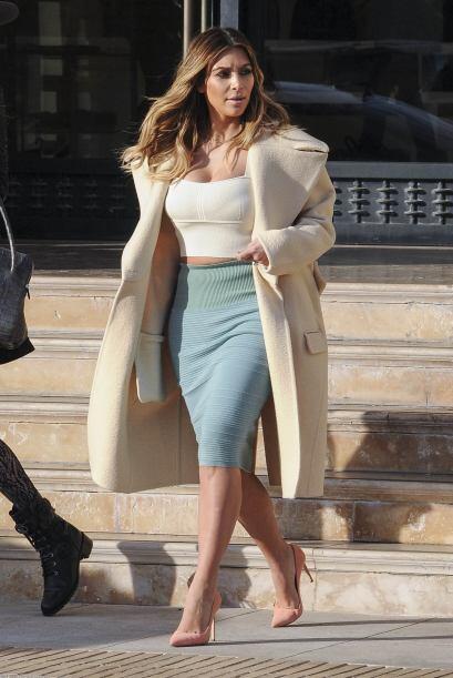La sensual Kardashian no es una mujer común y corriente. Mira aquí los v...