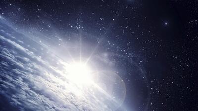 Los millones de años del universo resumidos en 12 meses