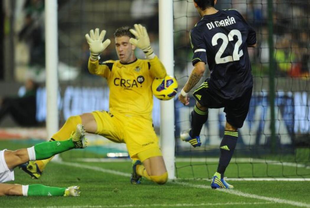 Adrián se lució ante los atacantes madridistas y no permitió gol en su p...