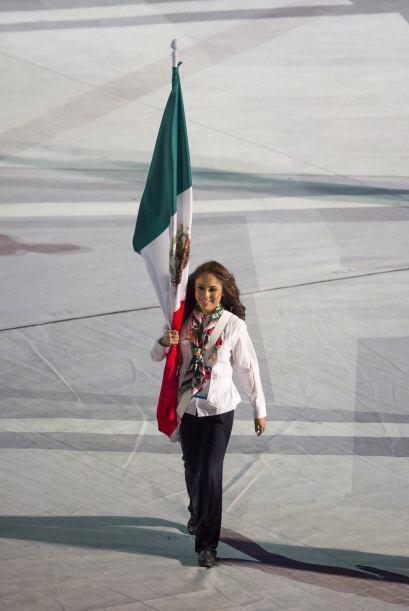 Paola Longoria salió con la bandera de México, encabez&oac...