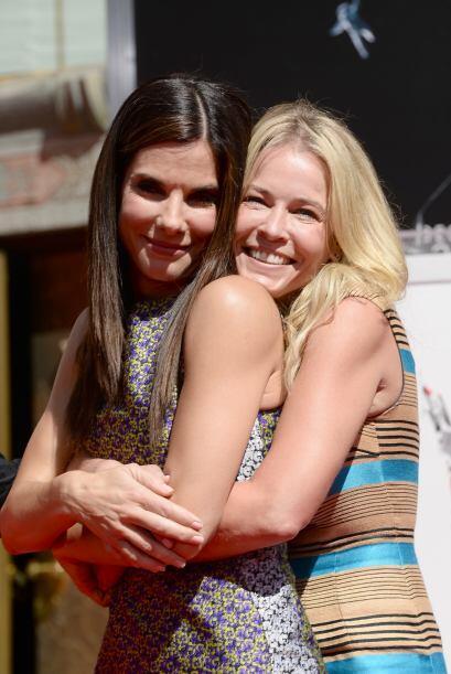 Con su amiga, la conductora Chelsea Handler.