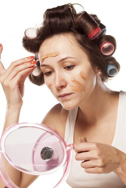 La base de maquillaje es un problema si no sabes cómo sacarla. No...