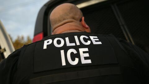 Las Escuelas Públicas de Chicago prohíben el ingreso de ICE a institucio...