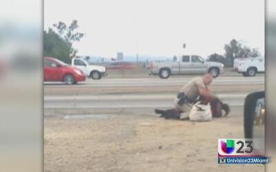 Investigan ataque de policía californiano a mujer