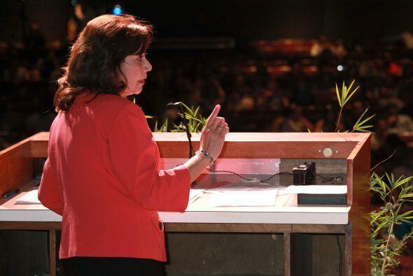 También en el ámbito de la política, Hilda Solís ha cosechado respeto. E...
