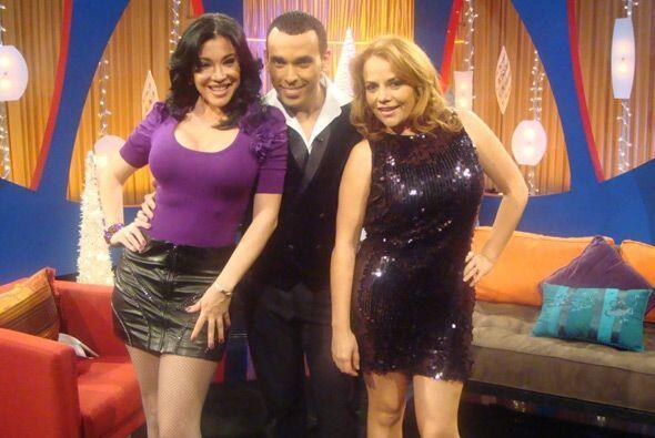 Claudia López, reportera de Acceso también estuvo en el estudio con los...