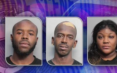 Policía capturó a tres personas que vigilaban y perseguían a clientes de...
