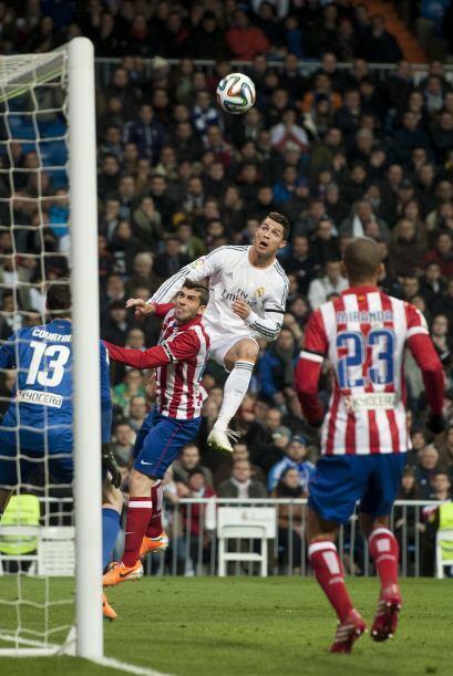 Cristiano cuenta con un excelente juego aéreo debido a su buena estatura...