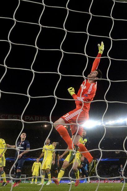 Pero el portero del Chelsea se convirtió en factor en varias ocas...