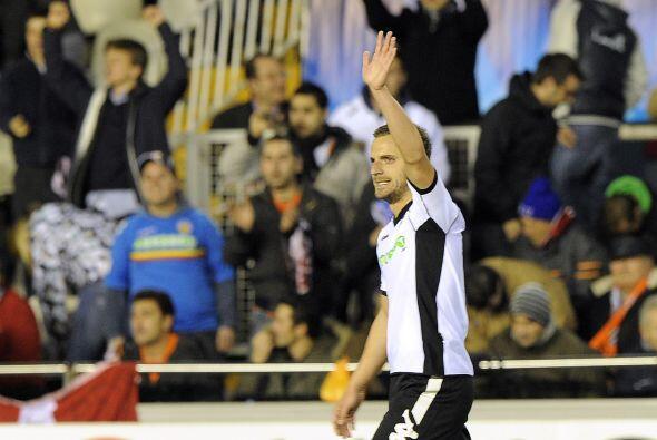 El atacante Roberto Soldado puso las cosas 1-0.