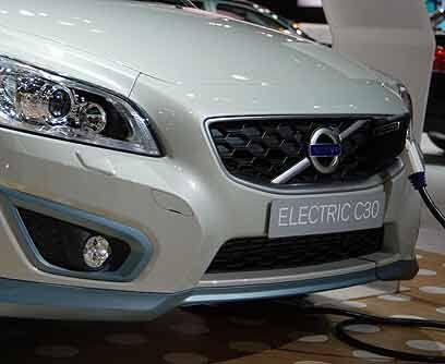 Volvo C30 Eléctrico ConceptEl motor eléctrico se encuentra debajo del ca...