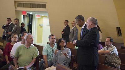 Obama sorprende a feligreses católicos en Miami