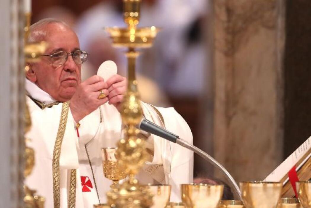 7 abril: Se realizó la toma posesión de la cátedra de obispo de Roma en...