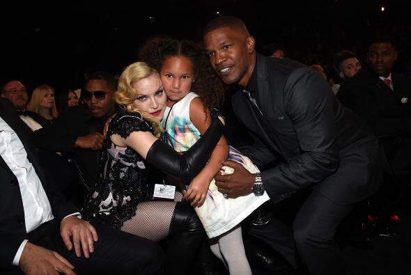 Madonna posó con la tierna Analisse Bishop y el actor Jamie Foxx.