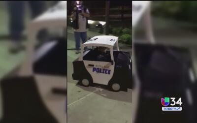 Policías de Ontario convierten la silla de ruedas de un pequeño en una p...
