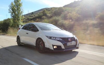 El Honda Civic Type R fue examinado al detalle por PeriodismoDelMotor.co...