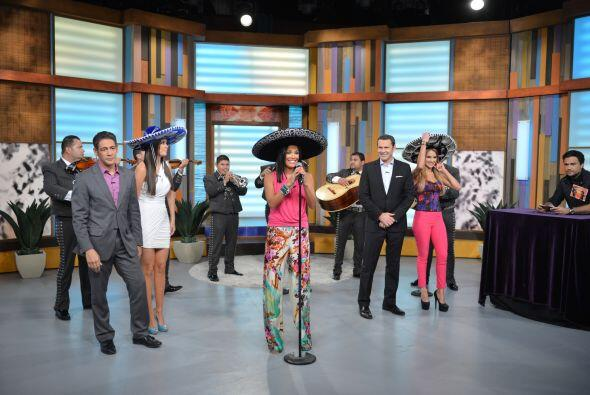 Karla Martínez se veía muy feliz de poder audicionar ante Jaime Camil.