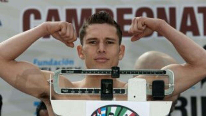 Carlos Cuadras listo para defender el título en Washington.