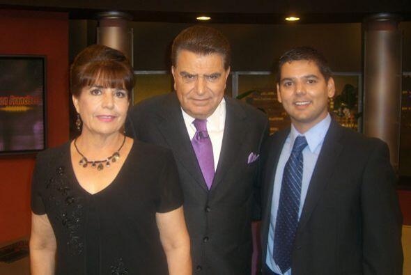 El don también recibe a Raúl Ruiz y su madre, quienes se l...