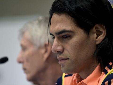 El delantero colombiano Radamel Falcao perdió la batalla que ten&...