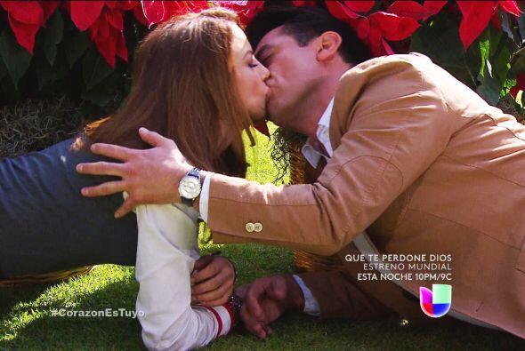 Esos besos nos encantan, ¡ojalá dejen de esconderse muy pro...