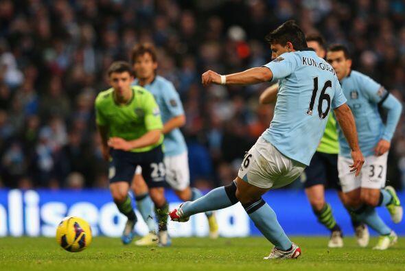 El 'Kun' lució en la contundente victoria del Manchester City sobre el A...