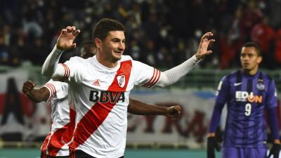 Lucas Alario celebra el gol de River ante Hiroshima