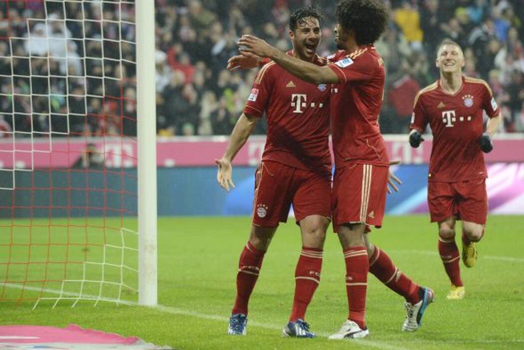 El atacante del Bayern Munich se despachó con la cuchara grande al hacer...
